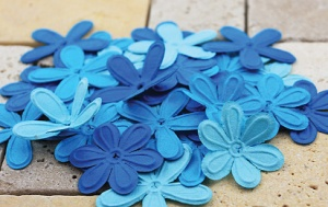E-Line Flowers Bright Blue