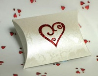 Red Glitter Scroll Heart Self Adhesive Motif Syntego BN7062
